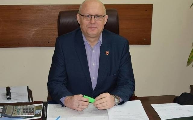 Dariusz Bulski, wójt gminy Kowala poinformował, że w ciągu dwóch miesięcy gmina straciła ponad 800 tysięcy złotych.