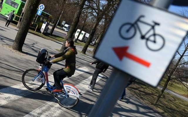 Przepisy należy stosować także na ścieżkach rowerowych
