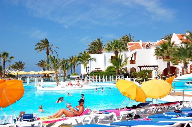 Ponad 26 proc. turystów, którzy wykupili wyjazd na święta w biurach podróży, spędzi je na Wyspach Kanaryjskich.