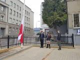 Białystok. Wojewoda Podlaski Bohdan Paszkowski uczestniczył w uroczystym podniesieniu flagi państwowej w Dniu Flagi (zdjęcia, wideo)