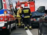 Zderzenie trzech samochodów na S3 pomiędzy zjazdem na Myślibórz a Pyrzycami. Są poszkodowani ZDJĘCIA