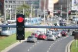 Kierowca: Wolny dzień, a we Wrocławiu tracę czas na czerwonym