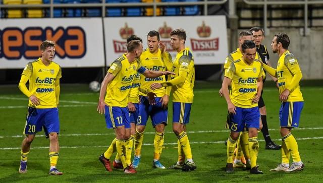 Zawodnicy Arki Gdynia zmierzą się w sobotę na wyjeździe z Resovią.