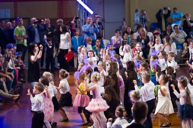 Trzecia edycja imprezy była rekordowa. Pierwszego dnia - w sobotę w mieście pojawiło się ponad 500 tancerzy z całej Polski, by walczyć w Ogólnopolskim Turnieju Tańca Towarzyskiego.