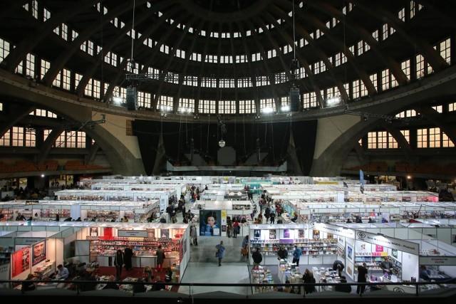 Tysiące Książek Pisarze I Rękodzieło Targi Dobrych Książek