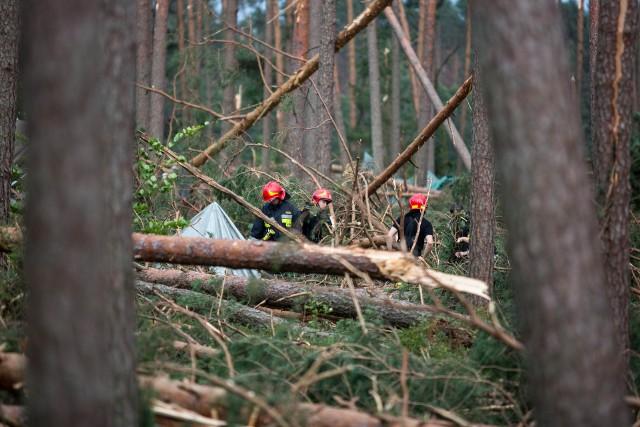 Obóz harcerski w Suszku po przejściu w nocy z 11 na 12 sierpnia 2017 roku huraganu stulecia. Zginęły dwie nastolatki, a 22 innych harcerzy odniosło  obrażenia
