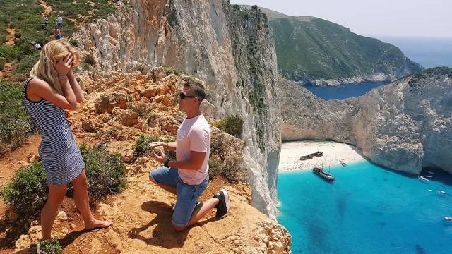 Chłopak pani Karoliny oświadczył się jej na wyspie Zakynthos  i został przyjęty. Teraz para walczy o voucher na wyjazd w naszym konkursie.
