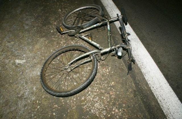 36-latka kierująca oplem najechała na dwóch rowerzystów. 36-letni cyklista poniósł śmierć na miejscu