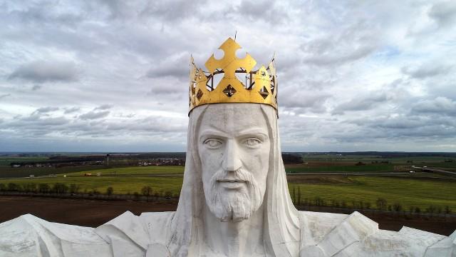 W połowie lutego 2020 r. na figurę Chrystusa w Świebodzinie i wieńczącą ją koronę - spojrzał z lotu ptaka obiektyw zamontowany na dronie Grzegorza Walkowskiego.