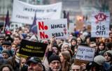 Protesty w środę 28.10.2020 r. Strajk Kobiet nie odpuszcza. Sprawdźcie, gdzie na Pomorzu odbędą się demonstracje [HARMONOGRAM]