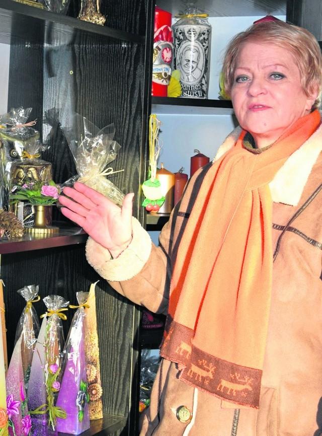 - Ludzie nie chcą spalać dekoracyjnych świec - mówi Grażyna Bator.