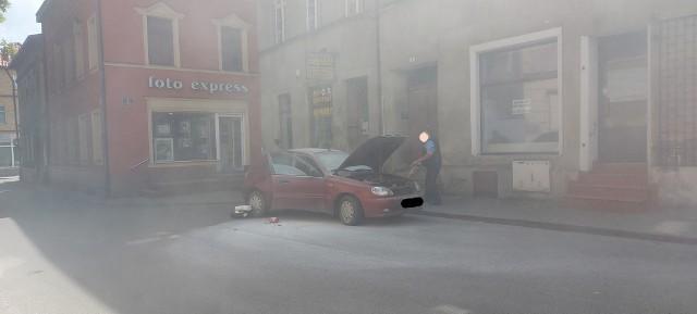Do pożaru samochodu osobowego doszło na ul. Farnej w Brodnicy ok. g. 12.30