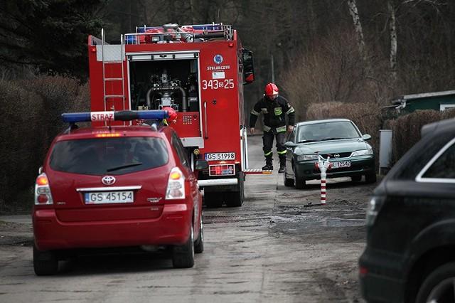 Wybuch w Ustce. Strażacy gaszą pożar. Zdjęcie poglądowe.