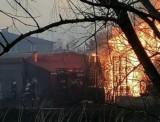 Pożar przy ulicy Rajskiej w Rybniku. Akcja straży na terenie hurtowni z materiałami budowlanymi