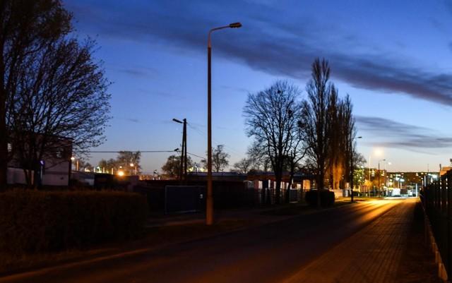 1 lutego Enea może zacząć wygaszać lampy w Bydgoszczy. Na kolejnych slajdach pokazujemy, ulice na których Enea ma swoje lampy.Zobaczcie, gdzie może zrobić się ciemno >>>>>