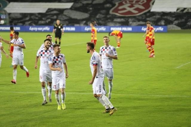 Obie wyprawy Żółto-Czerwonych do Zabrza - ligowa i pucharowa, zakończyły się  wygranymi Górnika po 3:1