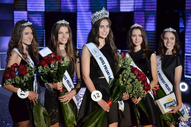 Gala Miss Polski Nastolatek 2017. Koronę zdobyła 15-letnia Klaudia Kucharska (w środku).