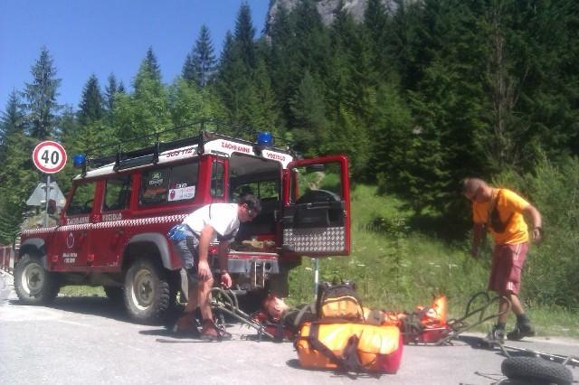 Słowackie służby ratunkowe są wykwalifikowane i dobrze wyposażone. Jednak za swoje usługi każą sobie płacić. Dlatego warto się ubezpieczyć na wypadek konieczności skorzystania z ich usług