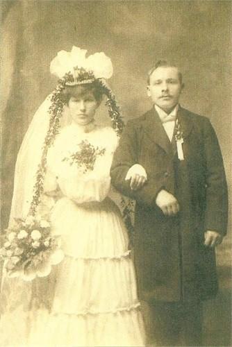 Zdjęcie ślubne Heleny Dynowskiej i Franciszka Lewandowskiego, USA, 1905 r.