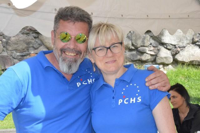 Maciej Kasprzak z żoną Violettą, która pierwotnie była planowana jako kandydatka PChS do rady miejskiej.