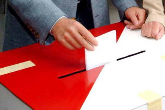 Zbigniew Stonoga zarzuca OKW fałszowanie list wyborczych