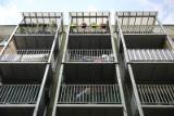 Na krakowskim osiedlu dobudowują balkony do starych bloków. Tak można zmieniać blokowiska! [ZDJĘCIA]