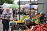 Ceny popularnych owoców i warzyw na bazarach w Kielcach we wtorek 20 lipca. Zobaczcie co staniało, a co zdrożało [ZDJĘCIA]