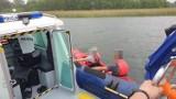 Policjanci z Suwałk pomogli kajakarzom na Wigrach