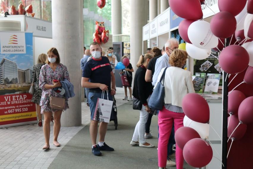 Ponad tysiąc osób odwiedziło Porannego Targi Mieszkaniowe w Operze [ZDJĘCIA, WIDEO]