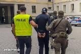 Zatrzymania w Zielonej Górze. 26 i 36-latek podejrzani o pranie brudnych pieniędzy i udział w zorganizowanej grupie przestępczej