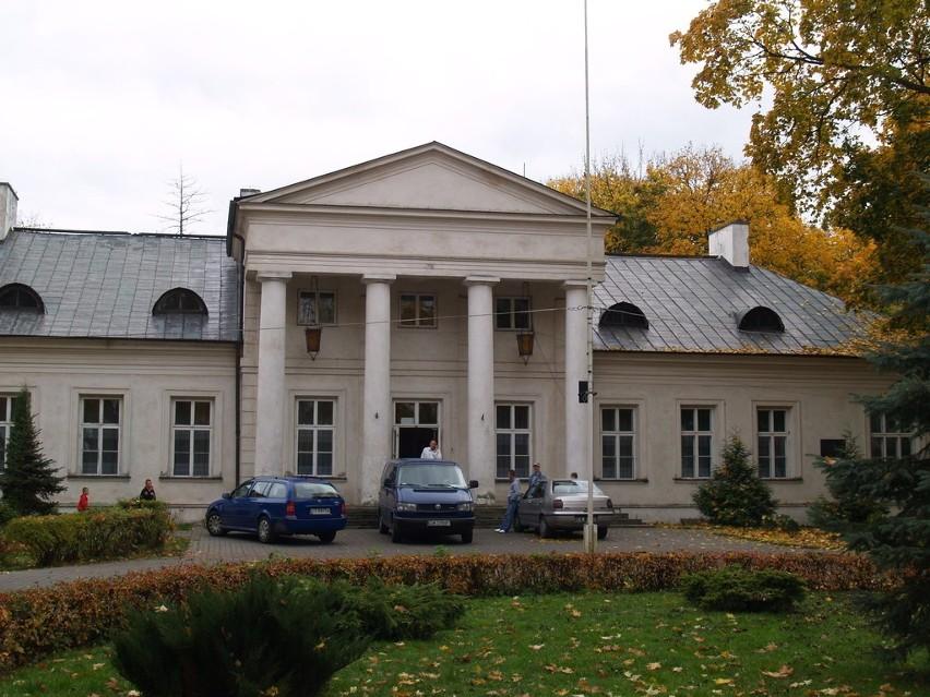 Trwa procedura konkursowa na stanowisko dyrektora domu dziecka w Dębinkach