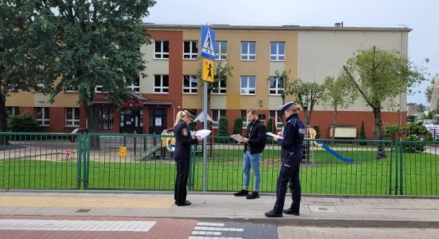 Bezpieczna droga do szkoły. Straż Miejska w Białymstoku kontroluje infrastrukturę drogową wokół placówek oświatowych