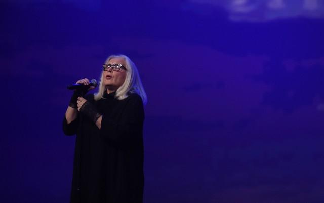 Wśród wykonawców koncertu piosenek z Kabaretu Starszych Panów będzie Magda Umer