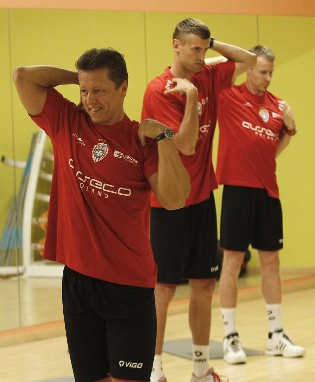Trener. Andrzej Zahorski (na pierwszym planie).