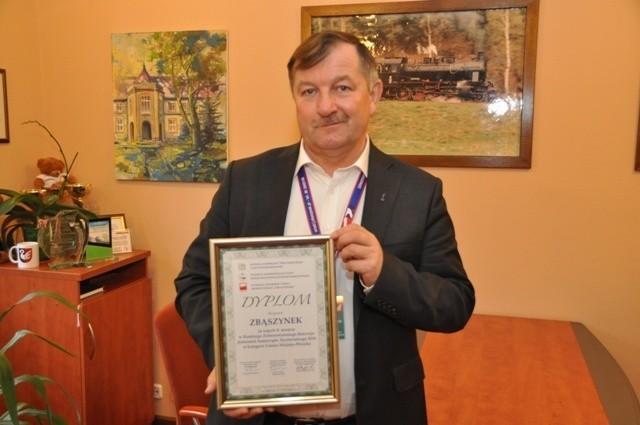 Nagrodę za ósme miejsce odebrał burmistrz Zbąszynka Wiesław Czyczerski.