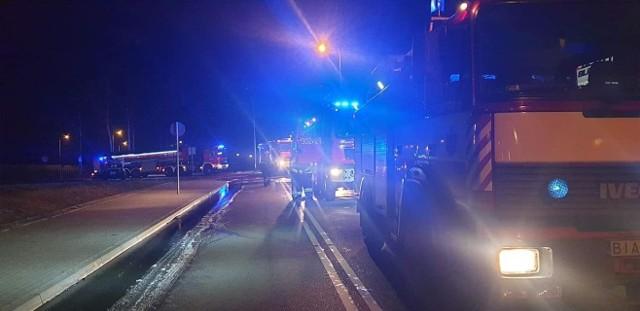 W środę po północy w miejscowości Łyski wybuchł pożar hali magazynowej.