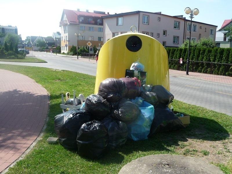 Większość gmin już dawno przyjęła uchwały śmieciowe. Łeba miała z tym problem z powodu turystycznego charakteru miasta.