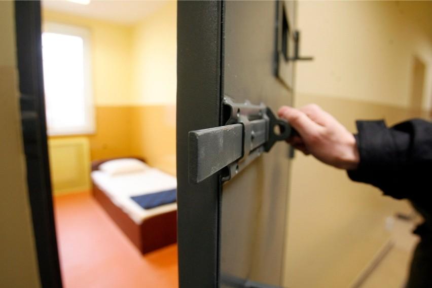 Zmarł więzień pobity w Zakładzie Karnym w Czarnem