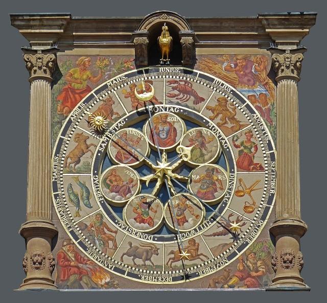 Horoskopy nie mówią nam jak mamy żyć, ale dają nam wskazówki dotyczące naszej przyszłości, która zdaniem astrologów zapisana jest w gwiazdach. Dla wielu są swego rodzaju życiowym drogowskazem. Sprawdzamy, co czeka wszystkie znaki zodiaku we wrześniu 2021. Czy będą mieć powodzenie w miłości? Które z nich powinny szczególnie uważać na zdrowie, a które czeka niespodziewany zastrzyk gotówki? My już wiemy! Sprawdźcie! Szczegóły na kolejnych zdjęciach >>>>