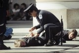 Waszyngton: Zmarł policjant, który walczył z tłumem szturmującym Kapitol. To piąta ofiara zamieszek