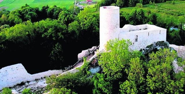 Rewitalizacja zamku w Smoleniu trwała od 2012 roku. Teraz mogą go zwiedzać turyści.