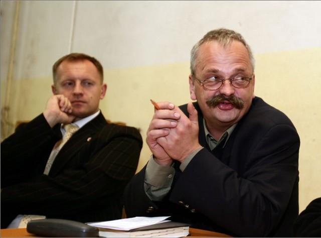 Wojna w jeleniogórskiej PO. Marcin Zawiła (z prawej), prezydent Jeleniej Góry donosi do prokuratury na swego byłego zastępcę - Huberta Papaja.