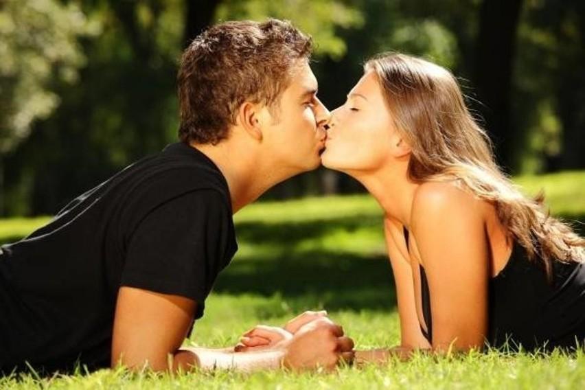 6 lipca obchodzony jest Światowy Dzień Pocałunku. Całujmy...