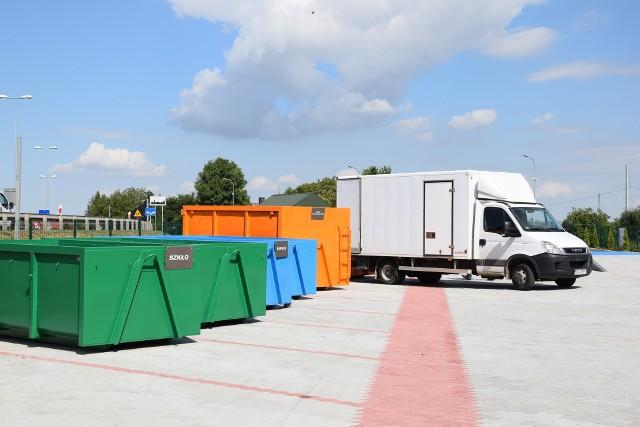 Nowoczesny punkt odbioru odpadów w Michałowicach będzie podobny do tego, jaki powstał w sąsiedniej gminie  w Kocmyrzowie. Będzie wyposażony w wiaty magazynowe oraz szereg kontenerów i pojemników