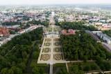 Kaczyński, Dmowski, Bartoszewski. Tylko ten ostatni stanie na pomniku w Białymstoku. Ich budowa to był przedmiot politycznego pożądania