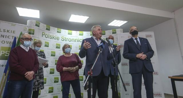 Mieszkańcy gmin Sanok i Zagórz nie chcą być włączeni do miasta - konferencja prasowa w siedzibie PSL w Rzeszowie.