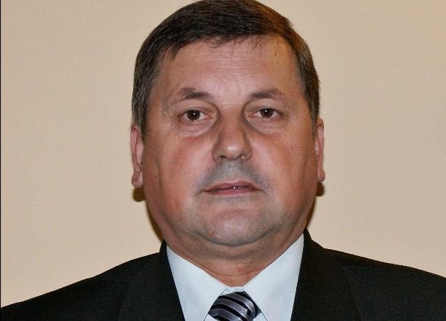 - Na rynku trudno o absolwentów studiów rolniczych - tłumaczy swoje nominacje Jan Stępkowski. - Ale dobór kadry mam dobry, o czym świadczą stanowiska, które zajmują nasi ludzie odchodząc z agencji.
