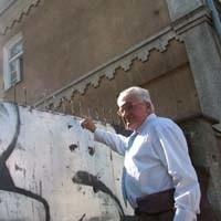 W tym budynku mnie zamknięto i torturowano - wspomina Czesław Korenkiewicz. - To powinno być miejsce pamięci. Czuję się rozczarowany, bo prawdopodobnie nie powstanie tu muzeum.
