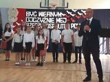 Wiceminister i świętokrzyski poseł Piotr Wawrzyk w Szkole Podstawowej w Olesznie w gminie Krasocin (ZDJĘCIA)