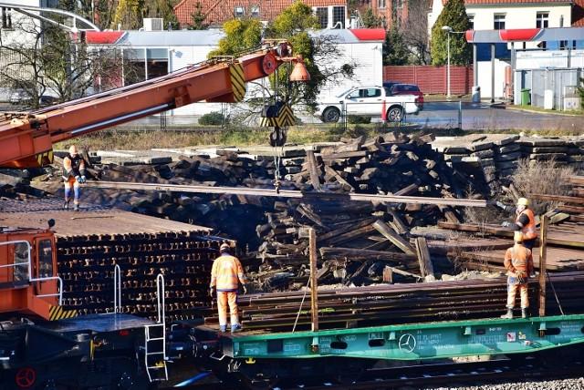 Nadal nieznany jest koniec modernizacji linii kolejowej nr 207 na odcinku Malbork – Kwidzyn – granica województwa pomorskiego.